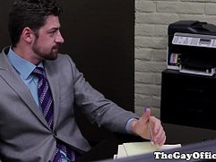 Gaysex suits threeway with new recruit