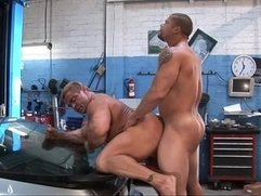 Gangbang - Robert van Damme - Dirty Muscle -Trailer