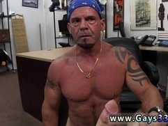 Italian muscle hunk male tube and guy who can give himself blowjobs