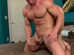 Straight jock fucking a gay dude