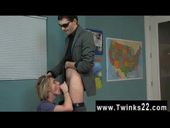 Gay XXX The super cute blondie man is getting a individual lesson in